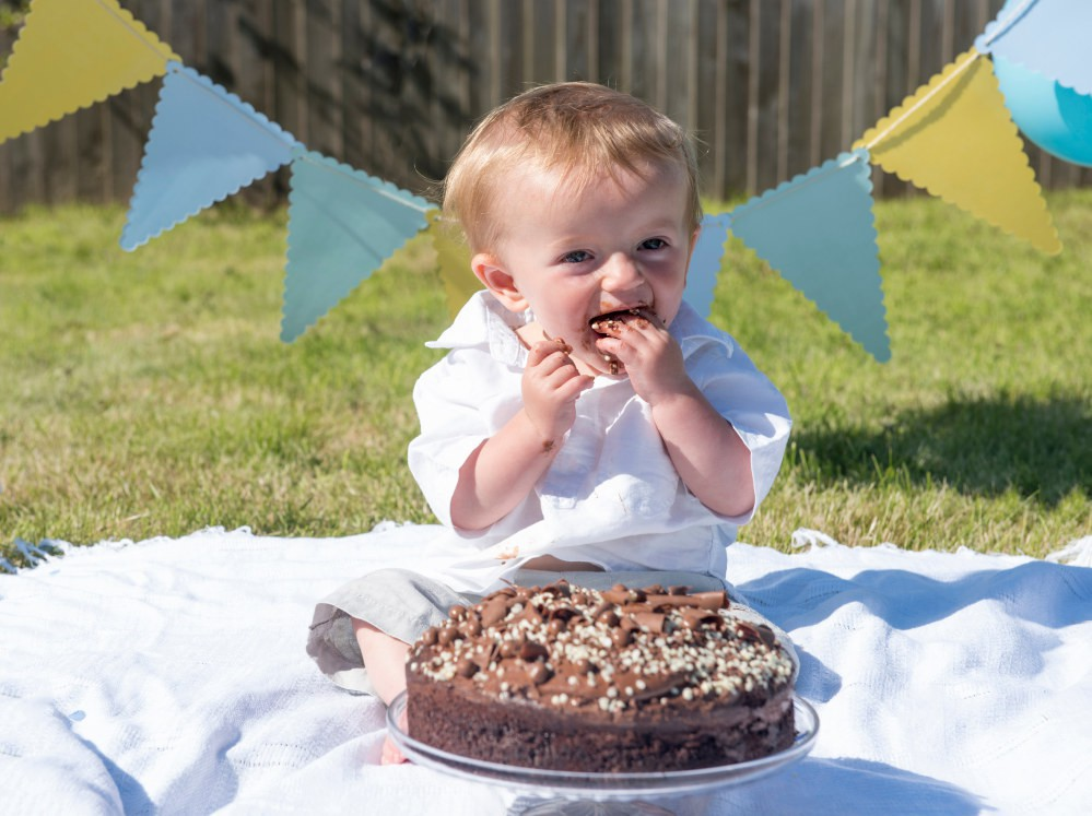 However, both indoor and outdoor cake smash photoshoots have their advantages and disadvantages... ▸ http://strf.link/899c8a #firstbirthday #shutterturf #cakesmashpic.twitter.com/NkYtaP0cfd