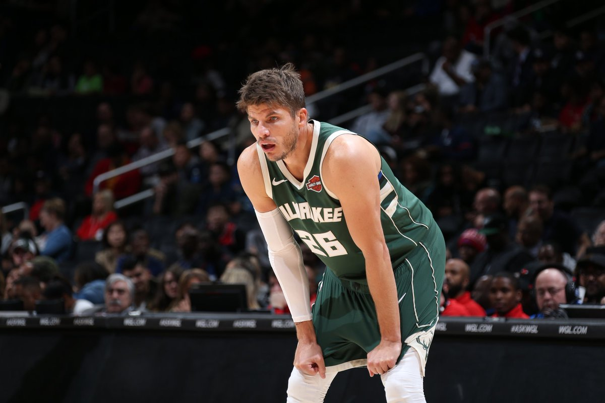 26 days until @Bucks basketball, featuring the only player in franchise history to wear the number, @KyleKorver! #fearthedeer #bucksinsix https://t.co/h17C8L9amb
