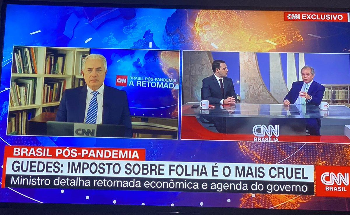 RT @acm_lopes: Esse Paulo Guedes é brilhante, dando aula de economia na CNN, o William Vaca calado ouvindo a aula https://t.co/8MCdyBHBlW