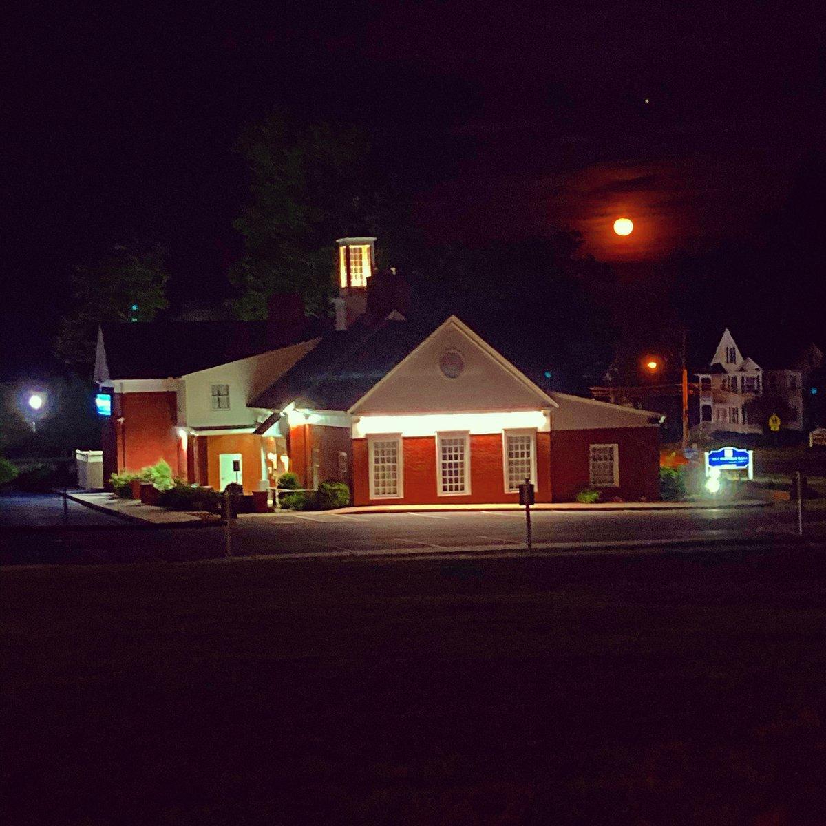 Buck Moon! 🌝🌝🌝  The full moon rises over @FirstSuffield.  @BankAtPeoples #Summer #Buck #Moon #BuckMoon #Full #FullMoon #Bank #FirstSuffieldBank #Suffield #Connecticut