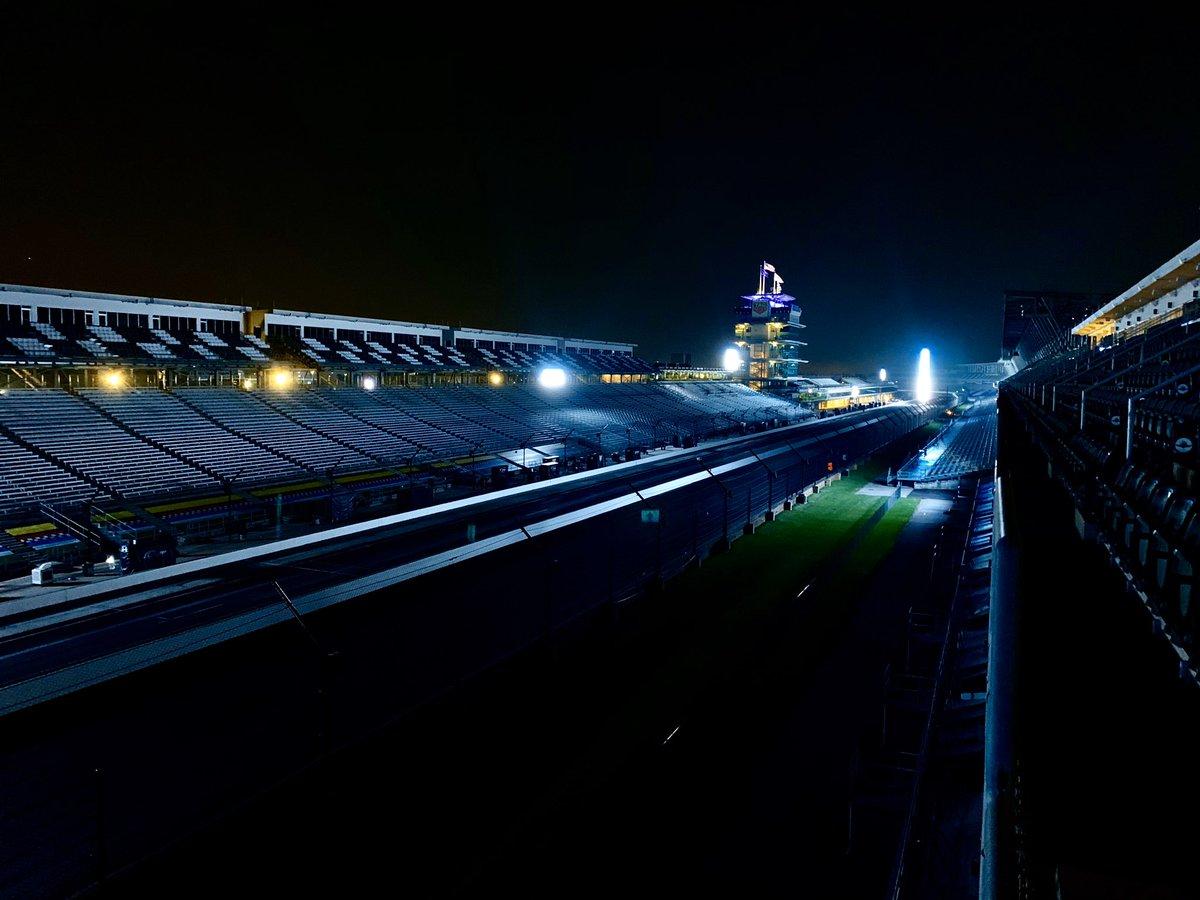 Quiet track, Indianapolis. #NASCAR | #Brickyard400  cc: @jeff_gluck https://t.co/JiVagGV1Xm