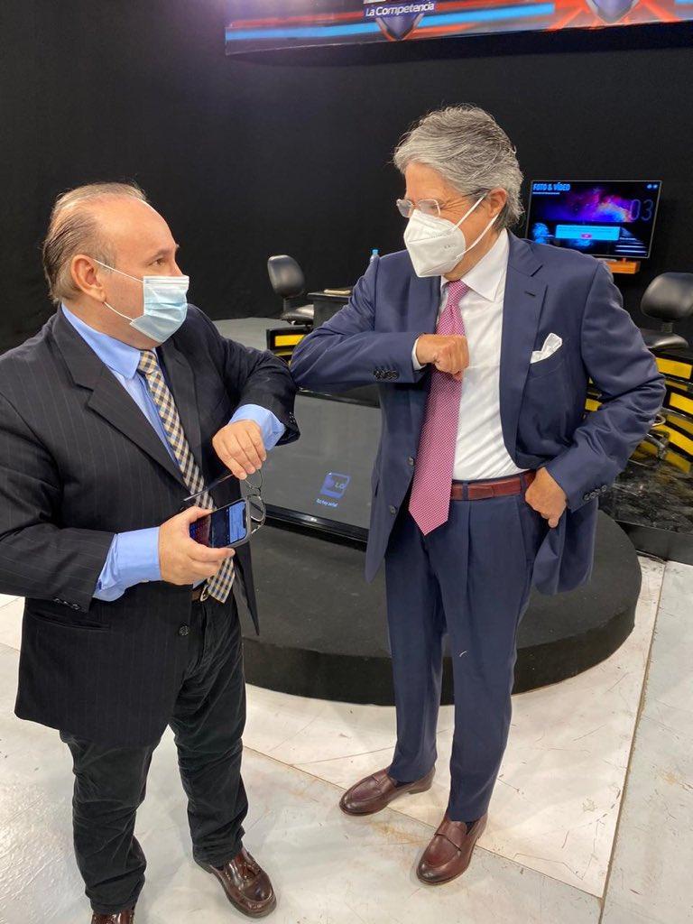 Gran entrevista en @CanalUnoTv con Rafael Cuesta. Muchas gracias por recibirme y abrir un espacio para conversar sobre las preocupaciones de los ecuatorianos con miras al 2021. Vamos a salvar al Ecuador 💪🏼🇪🇨. https://t.co/7ea7F6gkVw