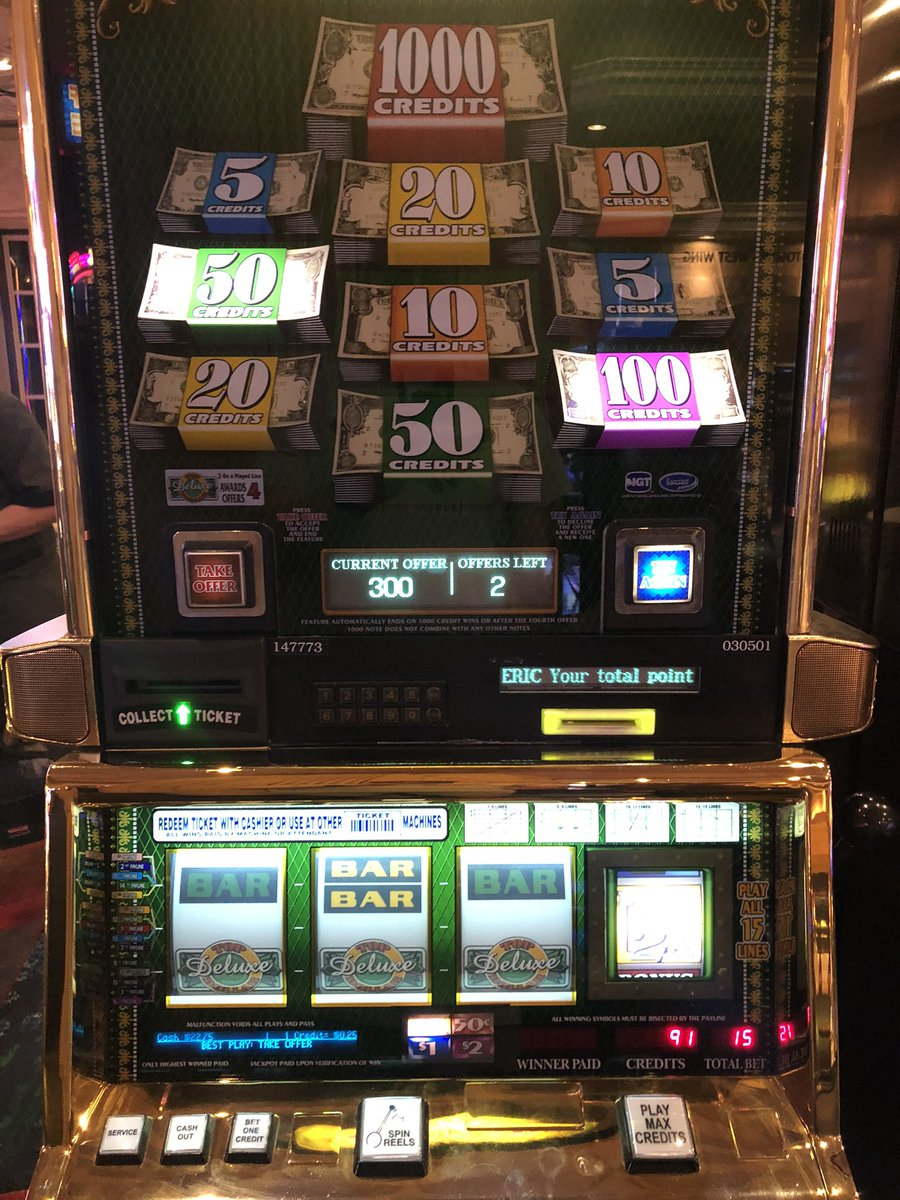Boom! (Should've been playing dollars.) #OnlyVegas @VitalVegas https://t.co/PbsC0Lpxpy