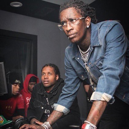 why young thug always helping someone on a laptop? 😂 https://t.co/yrBJEItjwr