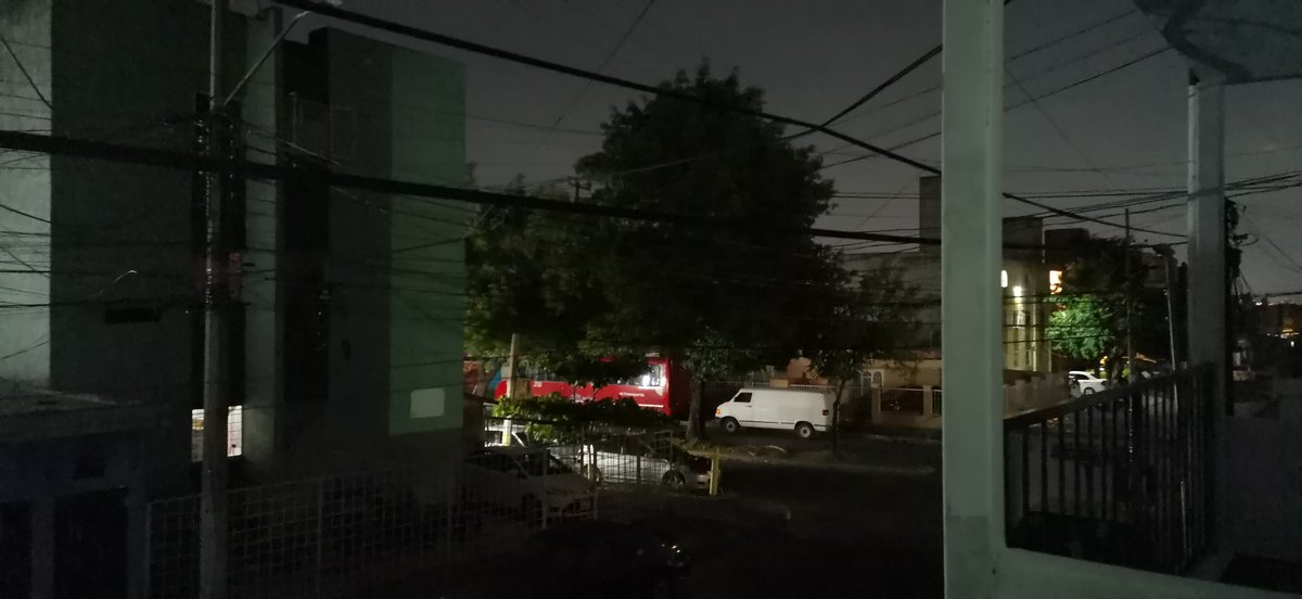 @GuadalajaraGob @CFEmx @LuzGDL a quien reporto que eN Isla Gomera e Isla Ciclades las luminarias no funcionan desde hace 4 días? pic.twitter.com/rAoTkNXGEC