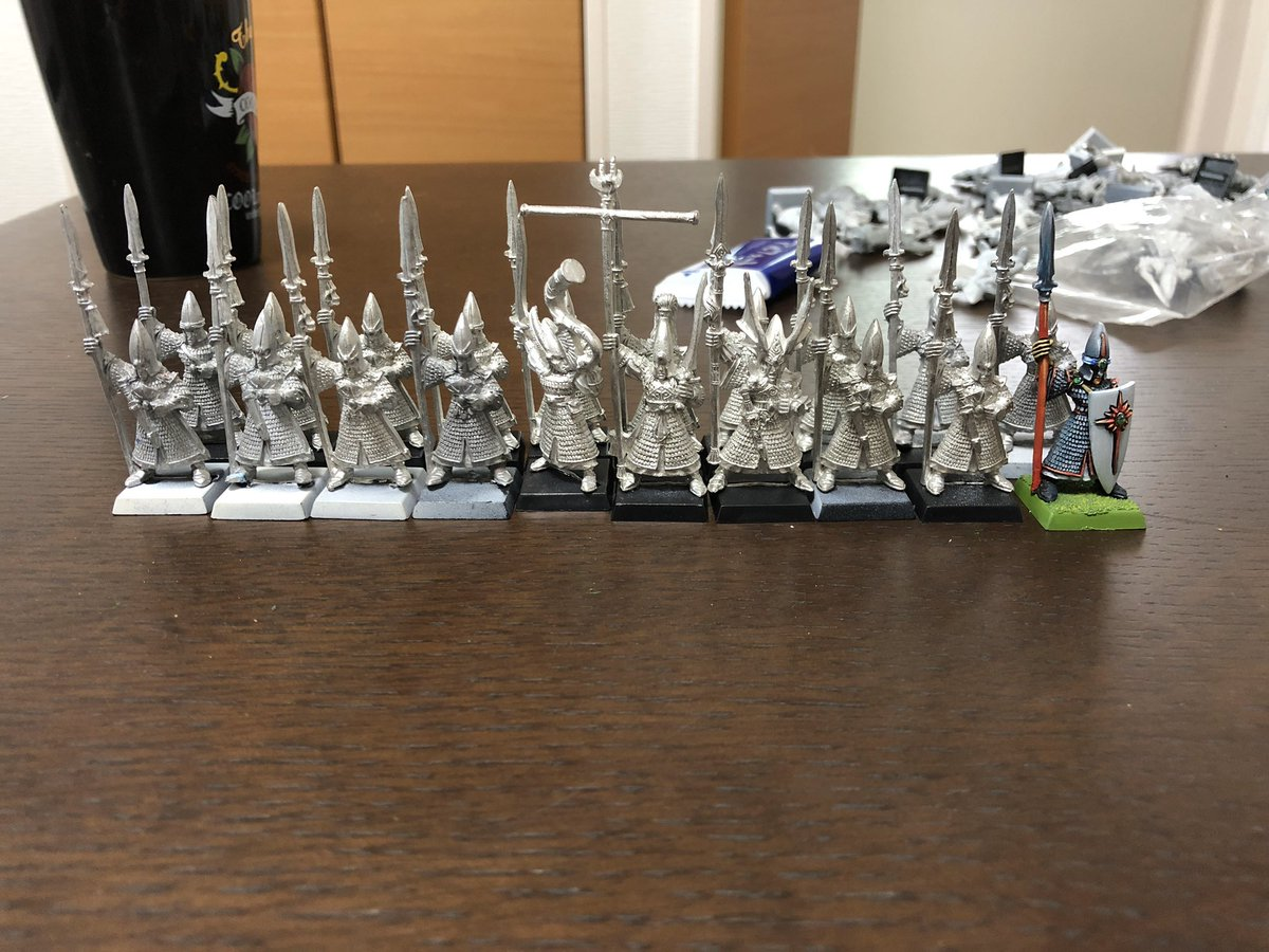 Thanks to an amazing person on my Patreon they sent me 10 metal high elf spearmen and command to combine with my existing models to make my dream 20 metal spearmen unit. #herohammer #oldhammer #warhammerfantasybattles https://t.co/BlVckVMxd9
