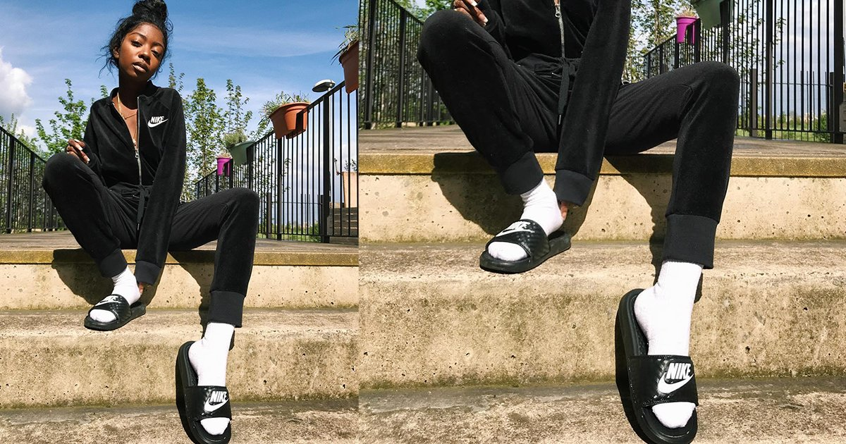 Socks and slides is the comfort level we need every Monday 📸 IG: siobhanbell https://t.co/EXUf9UeDaQ