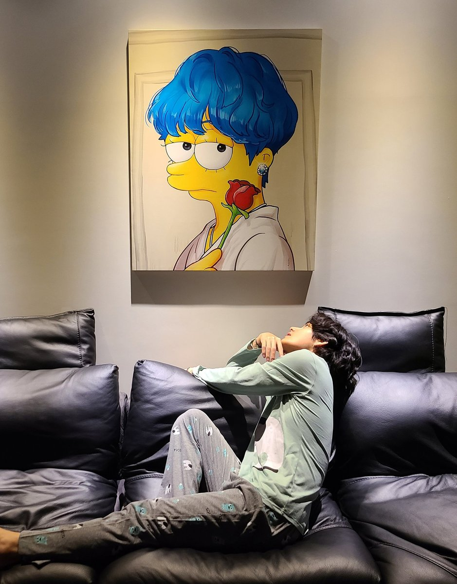 Taehyung has been my #BTS bias from day one of becoming #BTSarmy and when I find the right photo of Tae that I can create an #ARSD with it is an extra special #ARMYSelcaDay for me. @BTS_twt #SimpsonStylePortrait