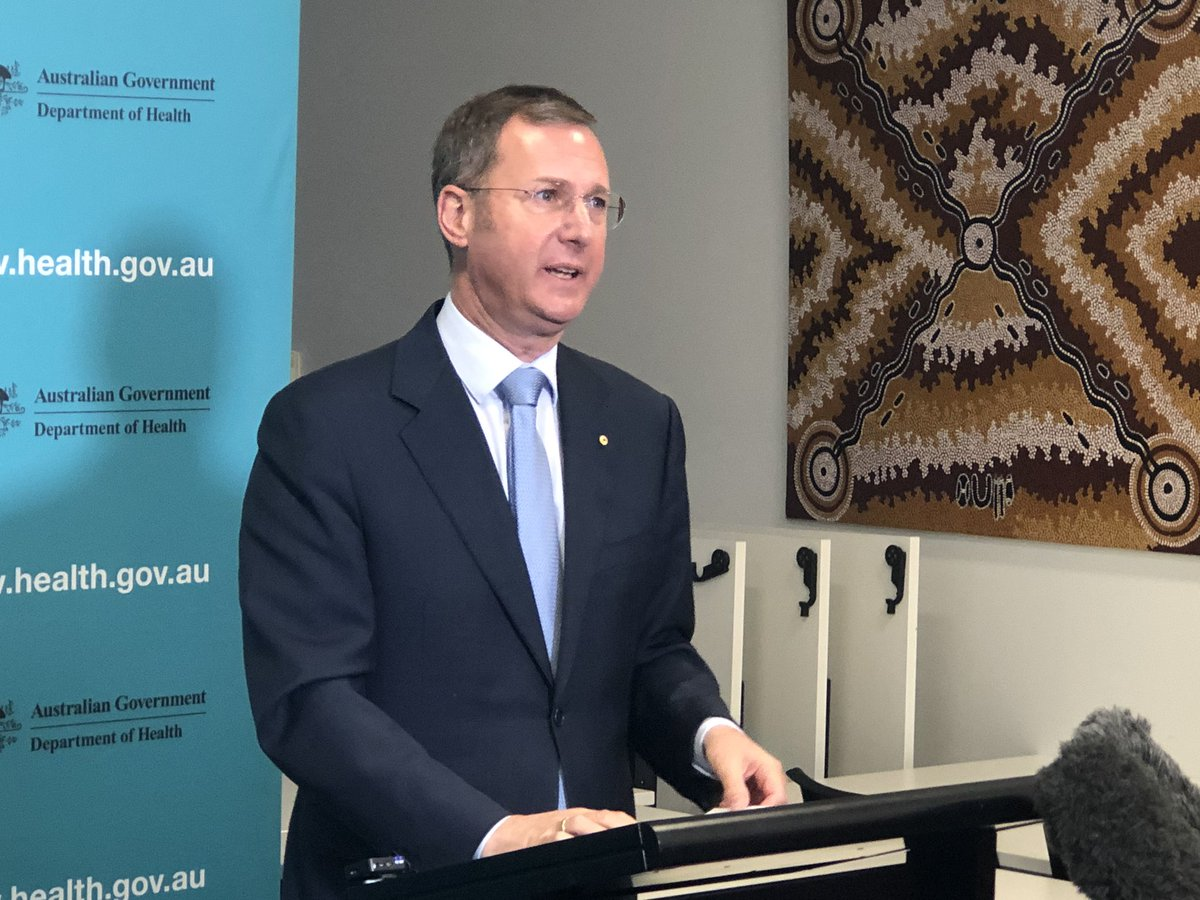 DCMO Michael Kidd with #COVID19Aus update: - 8462 cases nationally - 2 new deaths- 106 total nationally - 127 new cases in Vic - 34 in hospital with 5 in ICU - 2.75 million tests nationally - 45,000 tests nationally over 24 hours #auspol @theheraldsun