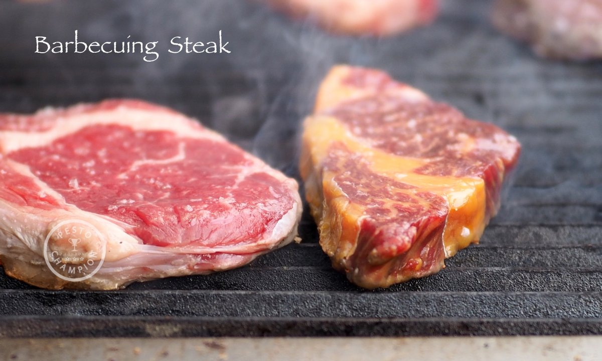 How To Cook Steak:  Australian celebrity chef John Torode, best known for his role in the BBC television show MasterChef, demonstrates how to cook  steak! (ツ) . Click link watch video https://twitter.com/PestoChampion/status/1098139688026673153 …   . #BBQ #steakpic.twitter.com/y8fWaVmurr