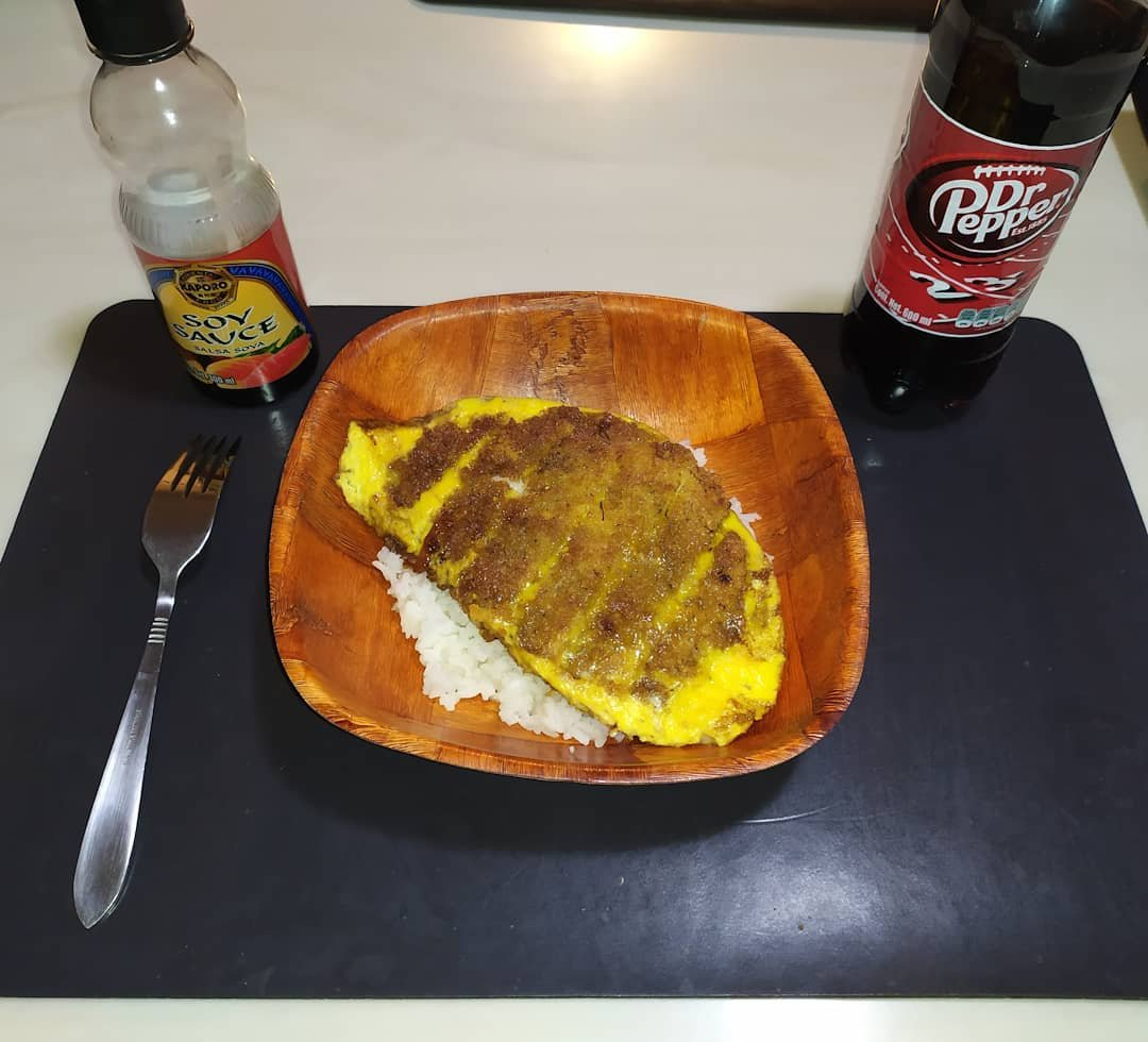 And this week's #sunday #dinner to prepare was Katsudon, also know as Japanese Pork Cutlet with Egg Rice, and to drink a classic @drpepper  #cheers  Original #recipe of @marionskitchen   #Domingo #Receta #drpepper #Rice #porkchop #Japanese  #katsudon #tonkatsu #Egg #Food #Cooking https://t.co/DbznMXvL0U