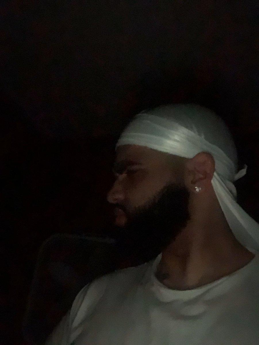"""Drake ain't even that good"" pic.twitter.com/BlpoRUNDqY"