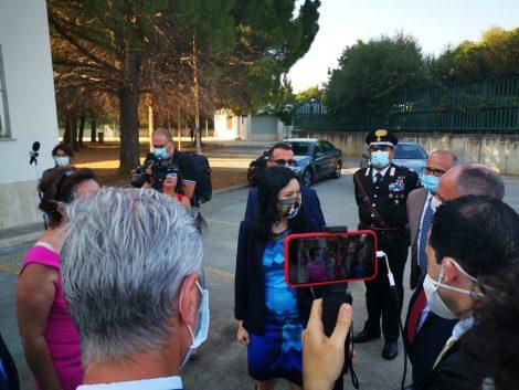 """Blitz alla scuola Falcone del Ministro Lucia Azzolina, """"Presenza importante in momento difficile"""" (FOTO) - https://t.co/517jGKDqQB #blogsicilianotizie"""