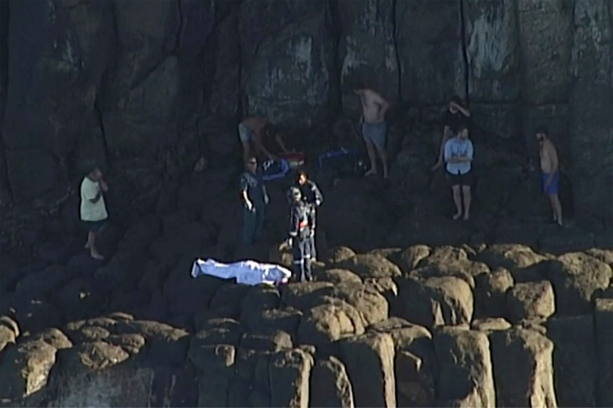 Shark kills scuba diver off Australia's Great Barrier Reef trib.al/l96vKY9