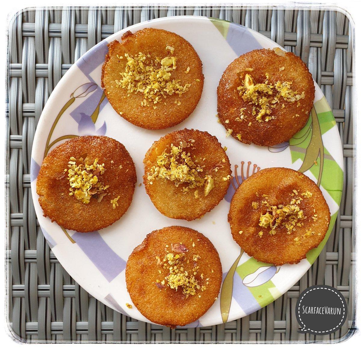 RAWA ka MALPUA!  by #ChefAMMA   Malpua made of Rawa/Sooji/Semolina. Flattened Semolina fried in Chashni,with dry fruit shavings.  #Food #foodblogger #foodblog #foodgasm #Mumbai #India #yummy #amazing #dinner #delicious #photooftoday #Sweet #Dessert #Desserts #DessertOfTheDay https://t.co/dCGvLVrlTr