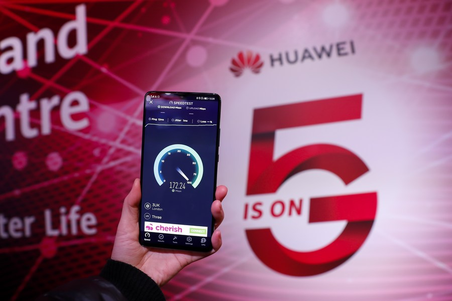 """Chinese technology firm #Huawei said Sunday that it remains """"open to discussions"""" with the British government and is working closely with its customers to find ways of managing the proposed US restrictions so Britain can maintain its current lead in #5G. https://t.co/DIWzC4MXDI https://t.co/hoHtEa7jgM"""