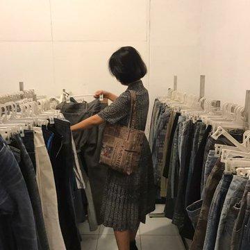 thrifting is fun and all until u nemu tai kering https://t.co/e2QTzolLyV