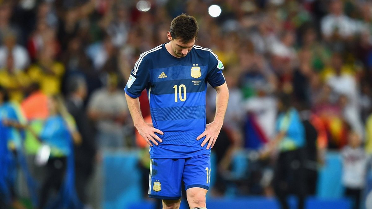 VAR  Do agree that if Messi was playing for Spain, he'd have won the World Cup by now?  RT-YES Like-NO  Former Spain leftback, Joan Capdevilla believes Lionel Messi deserves to have won a World Cup and would have done so if he was Spanish. <br>http://pic.twitter.com/twx7CwlVNH