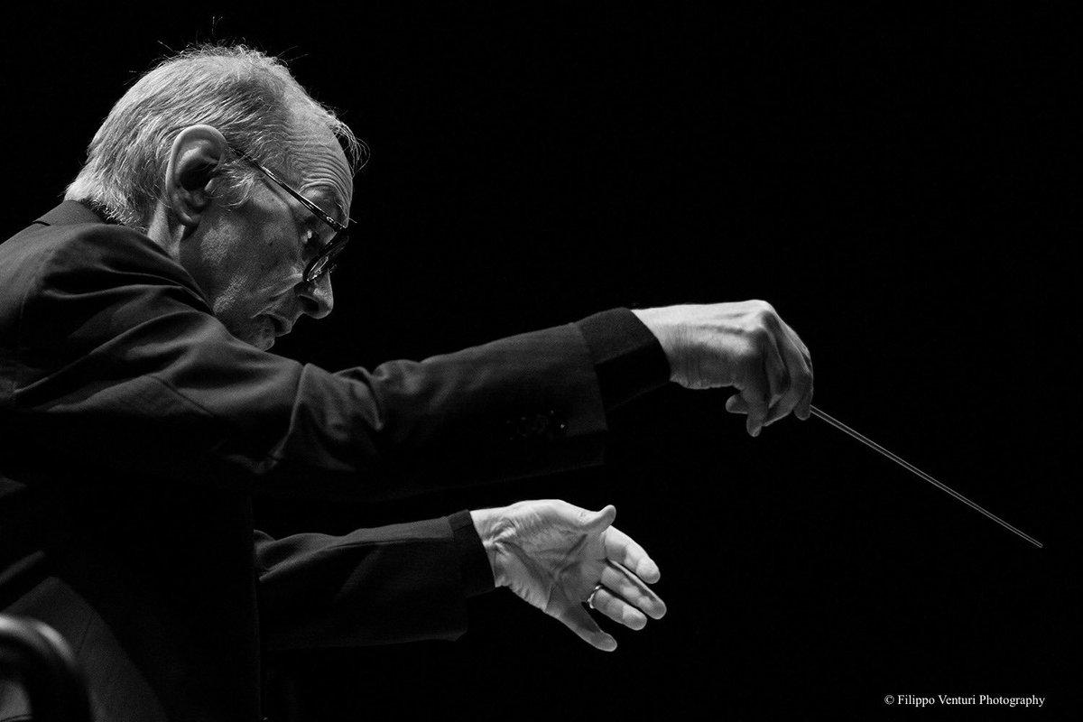 Ciao Maestro #EnnioMorricone. Un grande artista italiano ed europeo. Con la forza della sua creatività ha composto colonne sonore che hanno fatto la storia del cinema. La sua musica è un regalo inestimabile per le future generazioni.