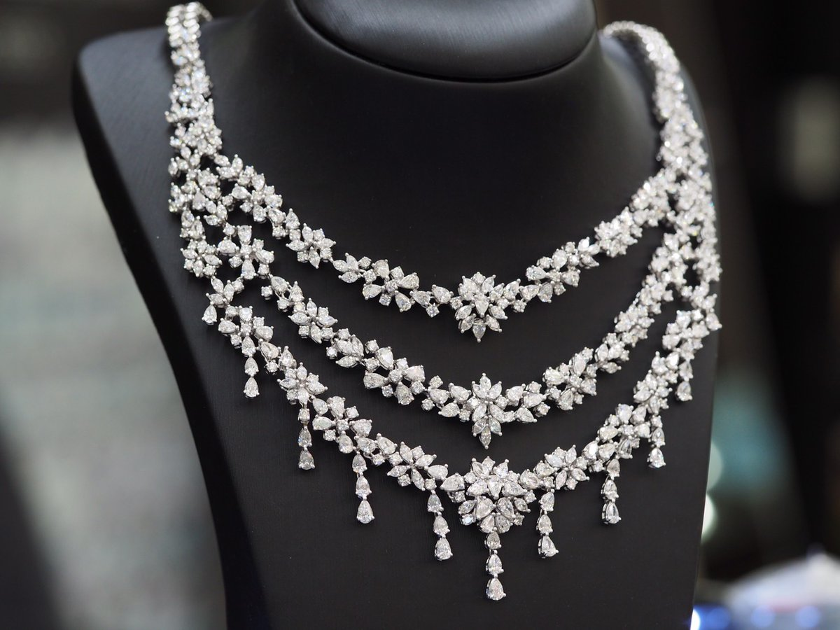 Diamond Necklace  #luxuryjewelry #highjewelry #finejewelry #Petchchompoojewelry #เพชรชมพูจิวเวลรี่ #เพชรแท้ #fashionjewelry #weddingring  #weddingband #chanellover #hermeslover #lvlover #hermesthailand #chanelthailand #lvthailand pic.twitter.com/qyuPWd3Hjo