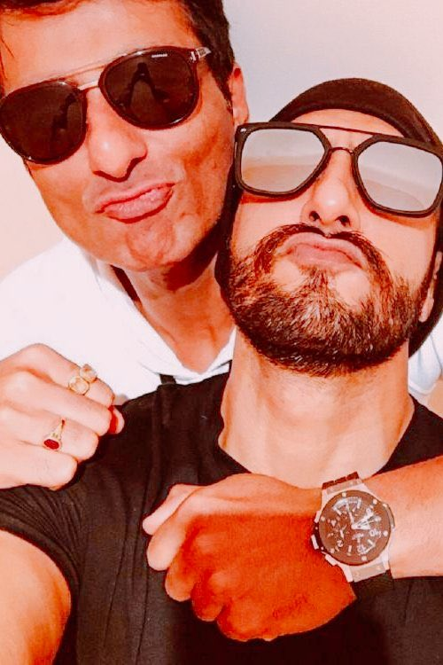Happy birthday mere bhai ❤️ @RanveerOfficial https://t.co/jQIt9kHWZ7