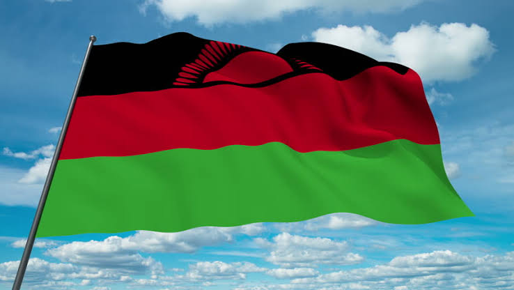 Happy Independence Day, #Malawi On July 6, 1964, Nyasaland became independent from British rule & renamed itself Malawi Malawi is also known as the Warm Heart of Africa. The people are friendly & peaceful, making you feel completely welcome & at ease in their beautiful country