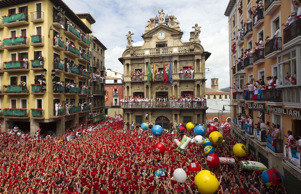 Aunque este año no podamos celebrarlos ni reunirme con mi gente... Hoy y siempre: ¡Viva San Fermín!  #Pamplona https://t.co/gpguiD4FIk
