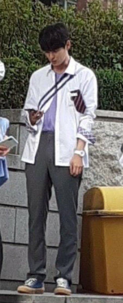 Knetz talks about how goodlooking the combination of NU'EST Hwang Minhyun and VICTON Byungchan in school uniform for the upcoming drama!   https://www. storykpop.com/2020/07/knetz- talks-about-how-goodlooking.html  … <br>http://pic.twitter.com/Dtetwpo27r