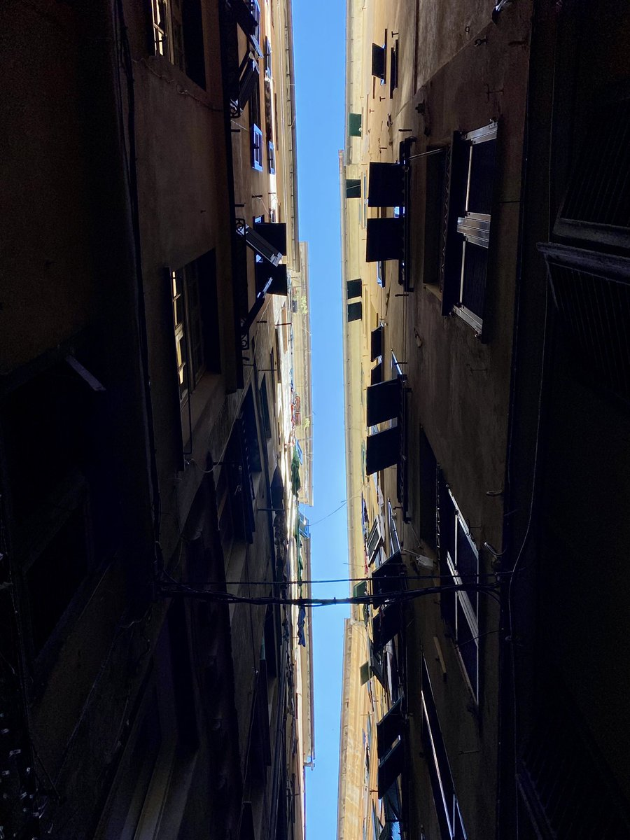 #Genova and its sky...even if I live here it is always breathtaking realizing how close buildings are pic.twitter.com/1qa74Lq2cY