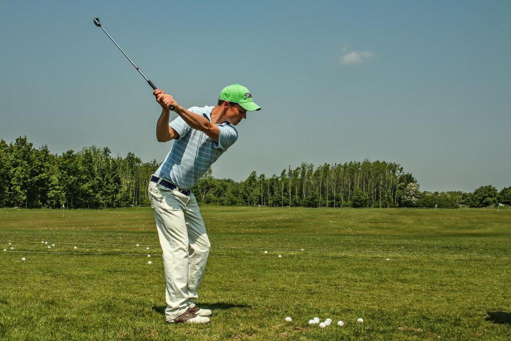 """What's more, a tense and scared golfer will make silly mistakes that may lead to a loss."" https://lttr.ai/TaUZ  #Golfer #GolfCourse #MentalGolf #GolfTips #USGolf #Golf #Mindset #GolfGame #GolfClub #UKGolf #BestMentalGolf #GolfPropic.twitter.com/vpBq0jXFsW"