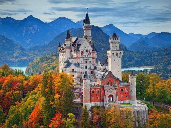 """""""Tu casa puede sustituir al mundo; el mundo jamás sustituirá a tu casa"""". Proverbio alemán #Fuedicho https://t.co/ltOQx8ApNf"""