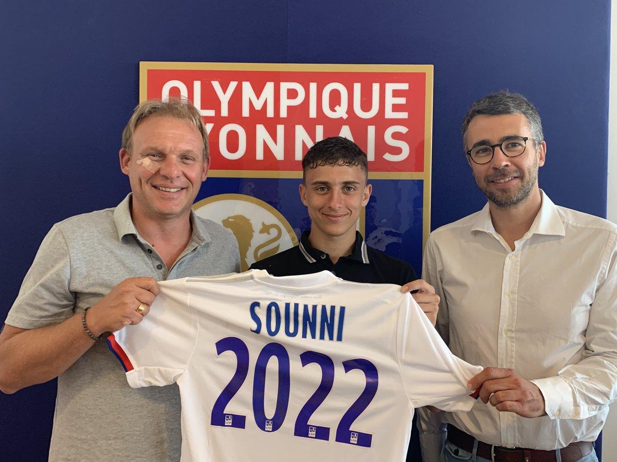 Félicitations à Madyan Sounni qui signe son contrat stagiaire jusquen 2022 ! 📝