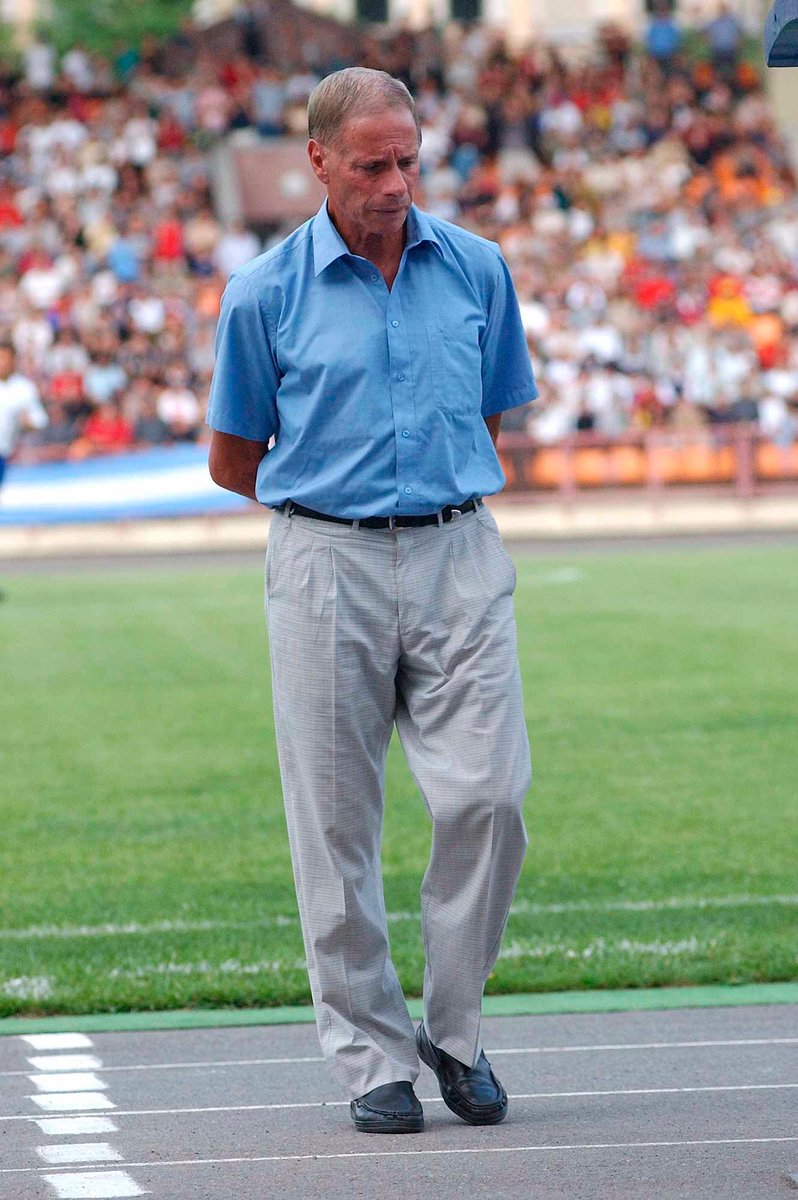 Arm🇦🇲 Football Alphabet:  O - Oscar Lopez  Oscar Lopez is the first ever foreign coach of Armenian NT. His debut (against Ukraine🇺🇦 in 2002) in charge of our team was one of the most dramatic games, with the late equalizer on the dying seconds of the match ⚽  #Armenia #Lopez https://t.co/G5VqiDATwS