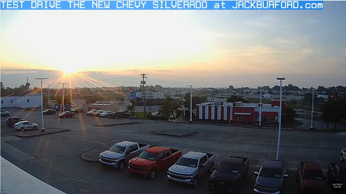 WOW! Look at this sunrise on Madison Countys ONLY LIVE HD Sunrise CAM! It's going to be a great week to buy a New Chevy! #chevyscostless #silverado #chevytahoe #chevyblazer #chevyequinox #chevytraverse #chevytrailblazer https://t.co/QW4fqs6M9A