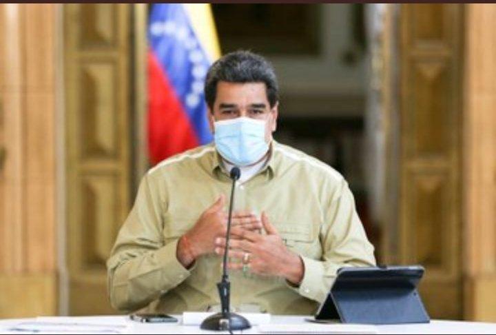 #6Jul 🇻🇪📢 Venezuela desplegará Brigadas de Prevención Popular en las comunidades para cortar las cadenas de transmisión por Covid-19. Cumplir el Plan 7+7 de cuarentena radical es vital.  ¡Quédate en casa y protege tu familia!   #CuarentenaRadicalPreventiva https://t.co/UvSZnWxOYK