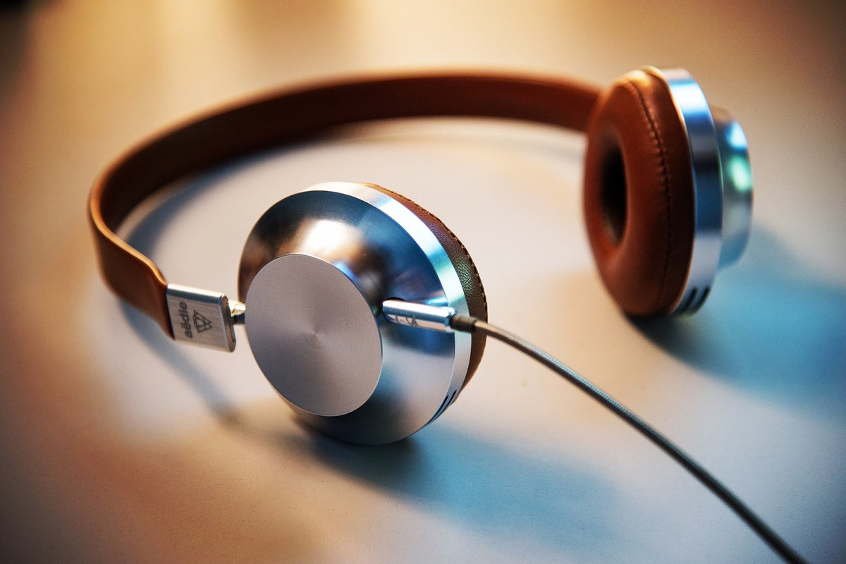 Our latest podcast an A-Z of Library Skills is out now. Listen at https://t.co/3ARB2QeSBm Do you have any questions or tips you would like to share?  #MyNULibrary #NorthumbriaSkillsPodcast #NSPodcast #MyNULibraryWhereYouAre    [Photo by Lee Campbell on Unsplash of headphones] https://t.co/wDJsEY8Ik1