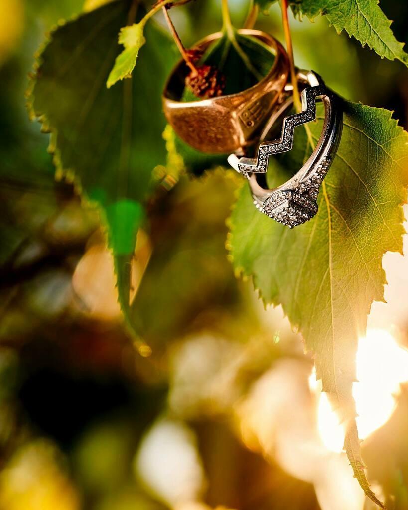 Some sunset bling to start your day #weddingrings. . . . #weddingbling #engagementring #weddingband #weddingphotos #90mm #macro #macrophotography #godox #ad600pro #godoxusergroup  @godox_photo_equipment #sonyalpha @sonyalpha #alphacollective #a7riv… https://instagr.am/p/CCTRbujl0pi/pic.twitter.com/GvgvUdDwOw