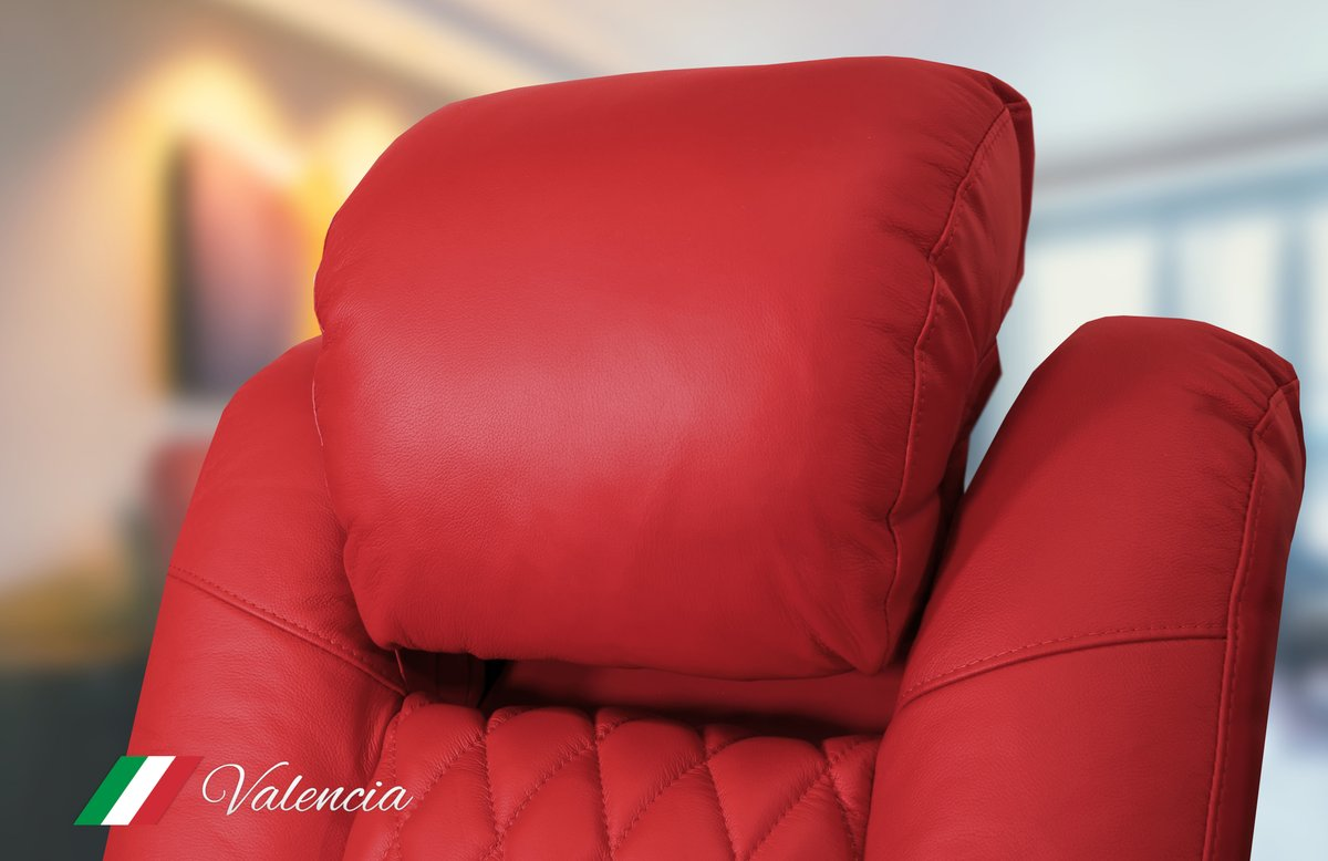 The Tuscany from Valencia Theater Seating comes with a power headrest so you will be comfortable no matter what.  Check it out here https://bit.ly/2YXNh6U - - - #HomeTheater #HomeTheaterSeating #luxury #luxurylife #luxurylifestylepic.twitter.com/lnLT9Q8CJD