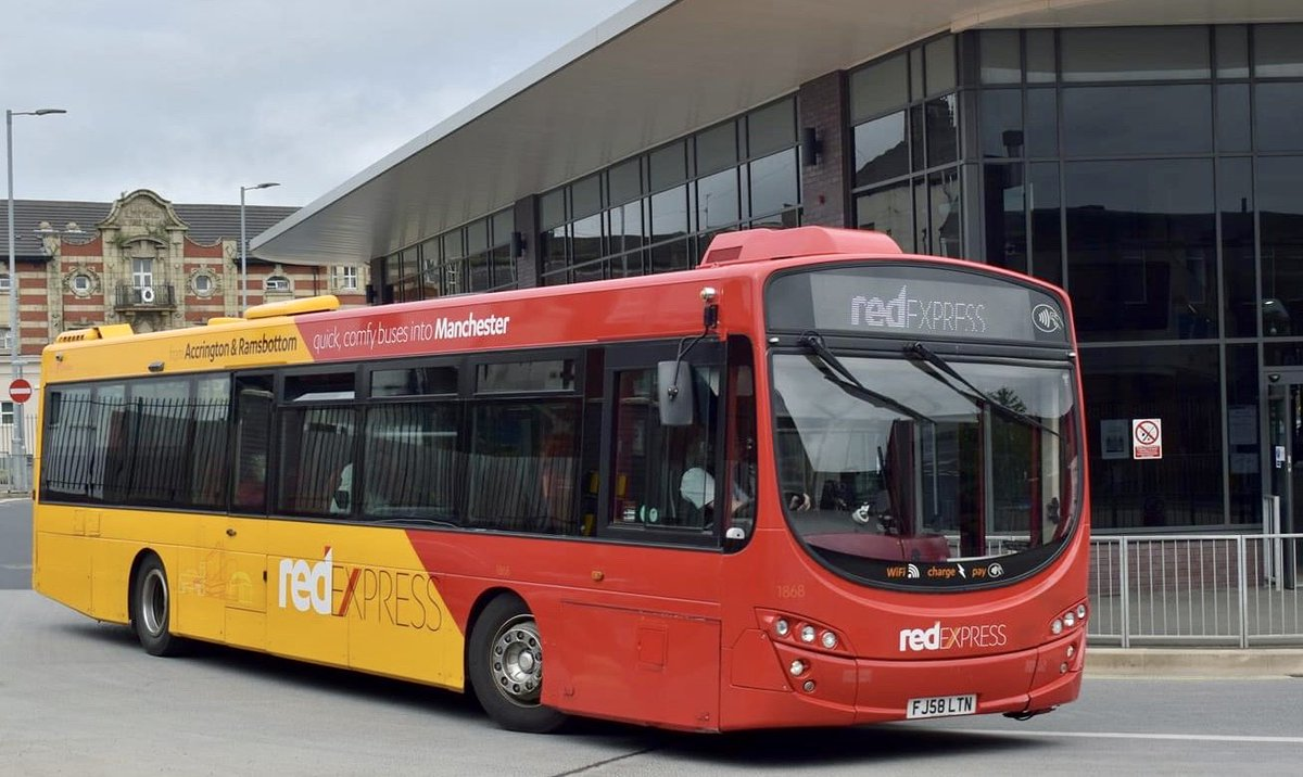 💛❤️ Ride in luxury on #RedExpress  #Accrington | #Ramsbottom | #Manchester  We've plenty of space on board, room to spread out & some of the most comfortable seats around   See how many seats are free on your bus before it arrives on the #TransdevGo app 📲 https://t.co/B84pDX1Q8k
