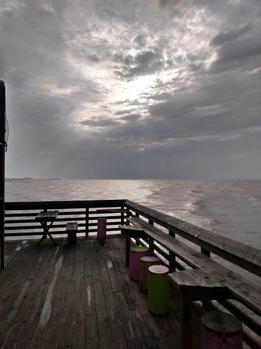 Wide open spaces. #61stpier #Galveston #TX #Texas #Fishing #Pier #dock https://t.co/hSaVdv60DP