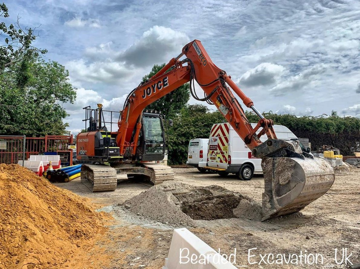 One of our regular contributors @bearded_excavation_uk posted this #Hitachi #excavator pic from his current job site in Epsom, UK.  Where are you operating this week? https://t.co/SGIOjePnSt