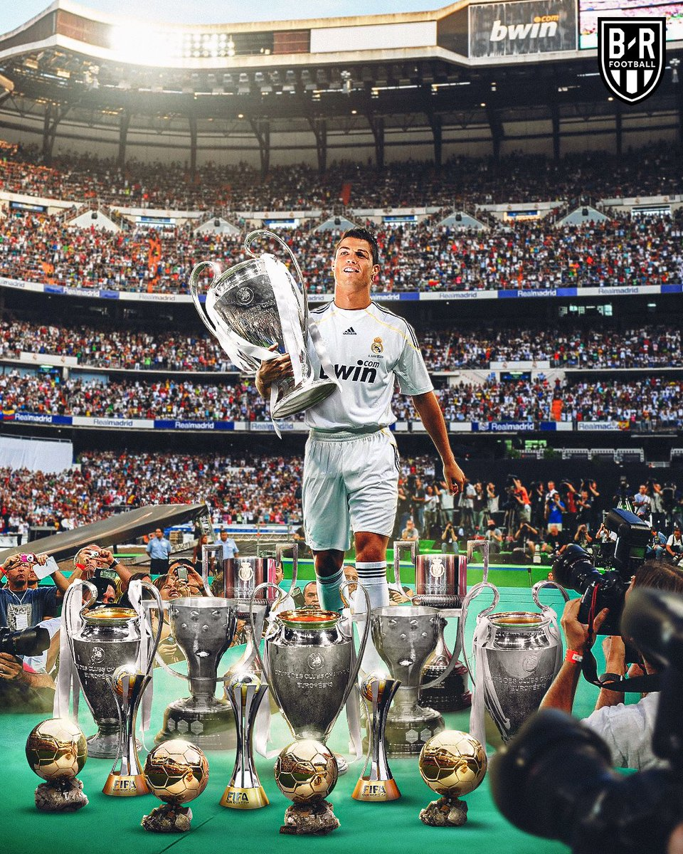 On this day in 2009, 80,000 people showed up to Cristiano Ronaldo's unveiling at the Bernabeu  CR7's nine years at Real Madrid: 🏆 4x Champions League 🏆 2x La Liga 🏆 4 Ballons d'Or 🏆 2x Copa del Rey  @brfootball https://t.co/4IfOQ670OY