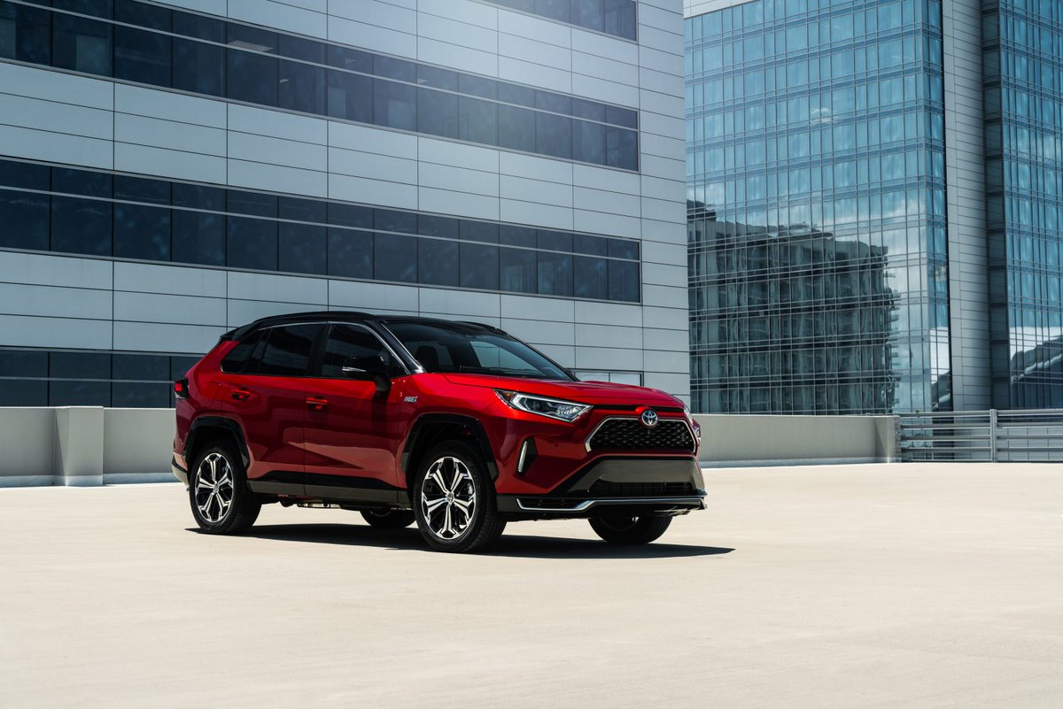 The next generation of the incredible #Toyota #RAV4 is coming soon! Get all the details here: https://toyota.us/2B9Yckcpic.twitter.com/6uCeTMfEmH