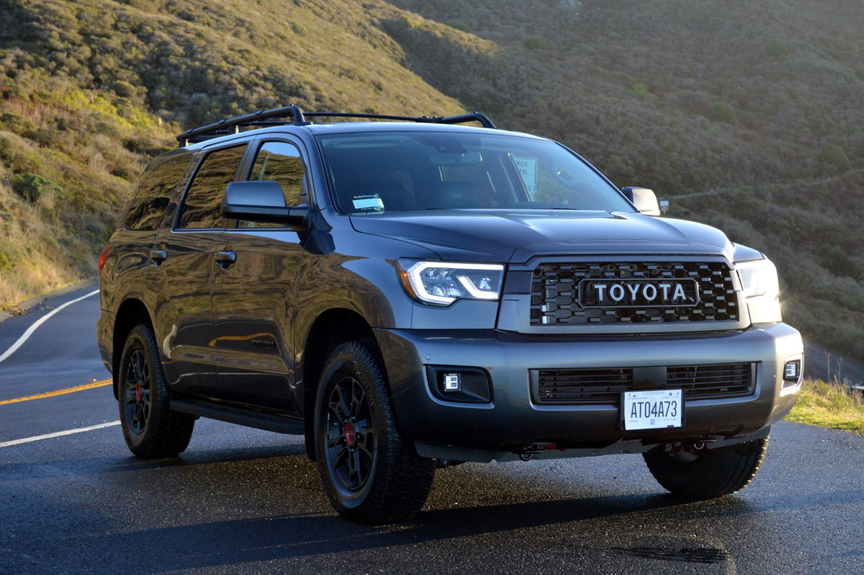 Whatever the adventure calls for, the #Toyota #Sequoia makes it easy to bring anything you need along for the ride. https://bit.ly/2VIayHDpic.twitter.com/dCokCfDmRV