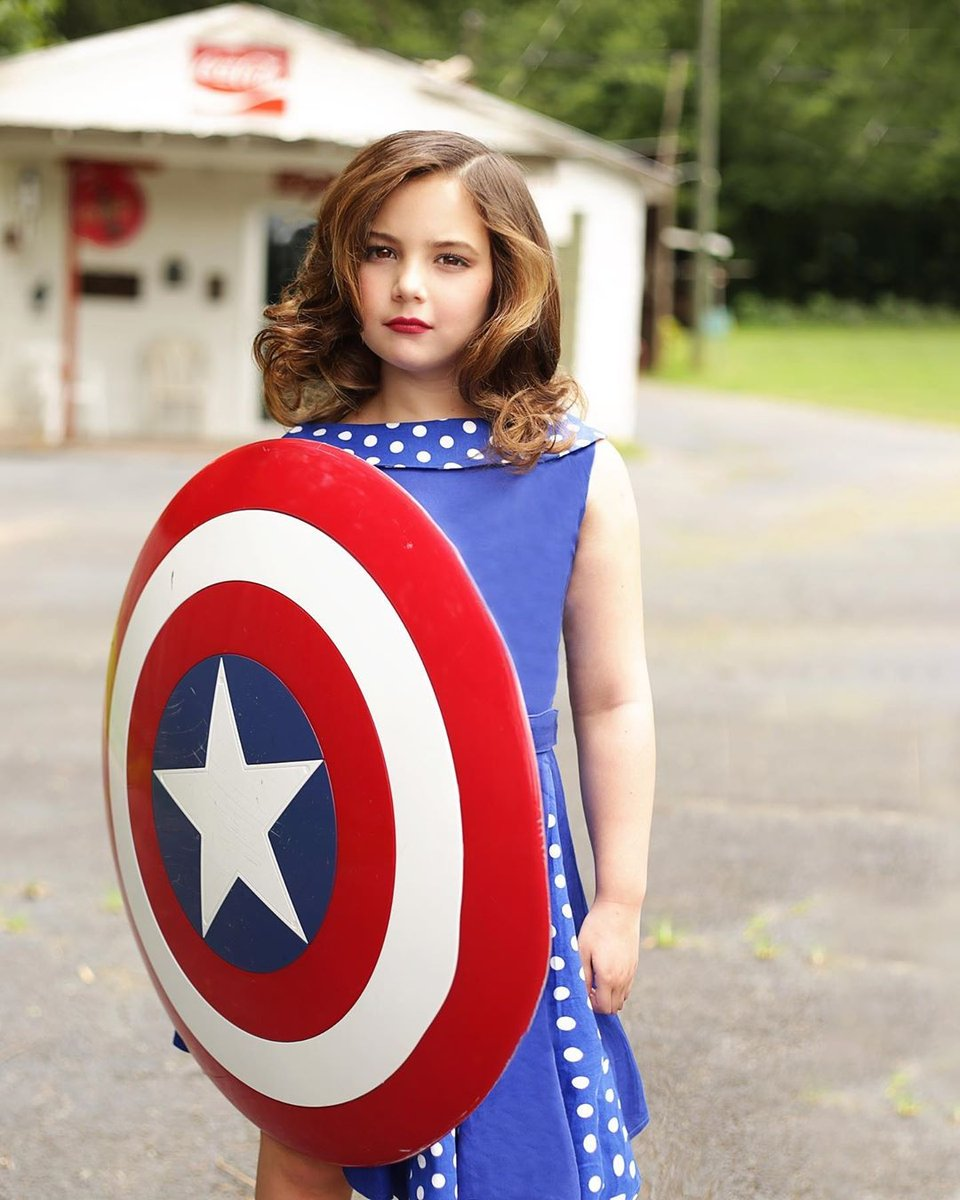 Turns out Morgan Stark (Lexi Rabe) didn't want to take the shield sledding, she wanted to use it to cosplay Peggy Carter!  (Credit to @lexi_rabe on Instagram)  #morganstark #lexirabe #cosplay #marvel #mcu #avengers #peggycarter https://t.co/tFCTfKhkxD