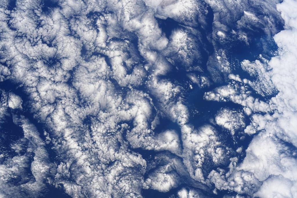 ☁️ At 250 miles above the southern Pacific Ocean, @Astro_Doug captured some cloud art from aboard the @Space_Station. What would you name this masterpiece? https://t.co/5Yj2pioGfj