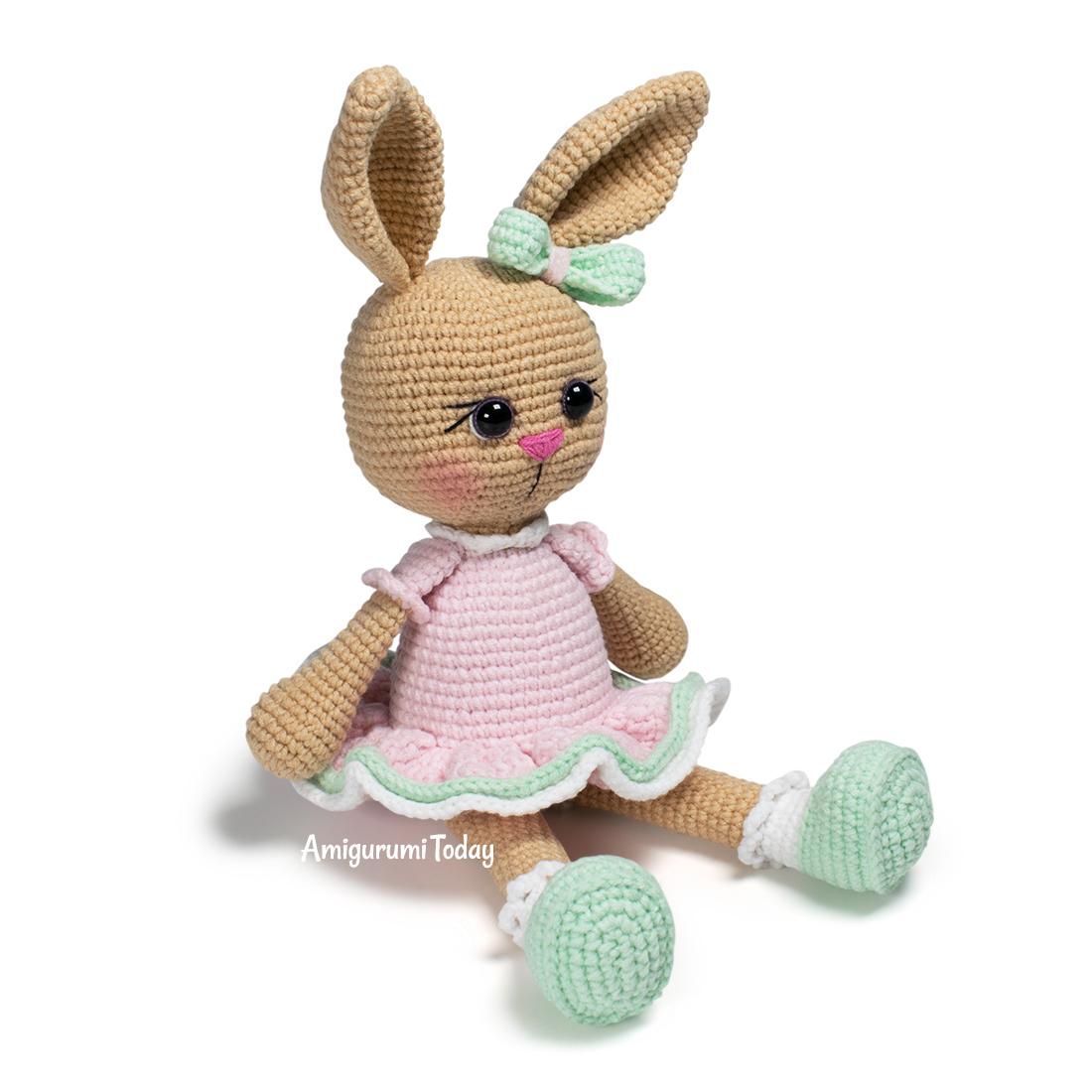 Amigurumi bunny in pullover pattern - Amigurumi Today   1100x1100