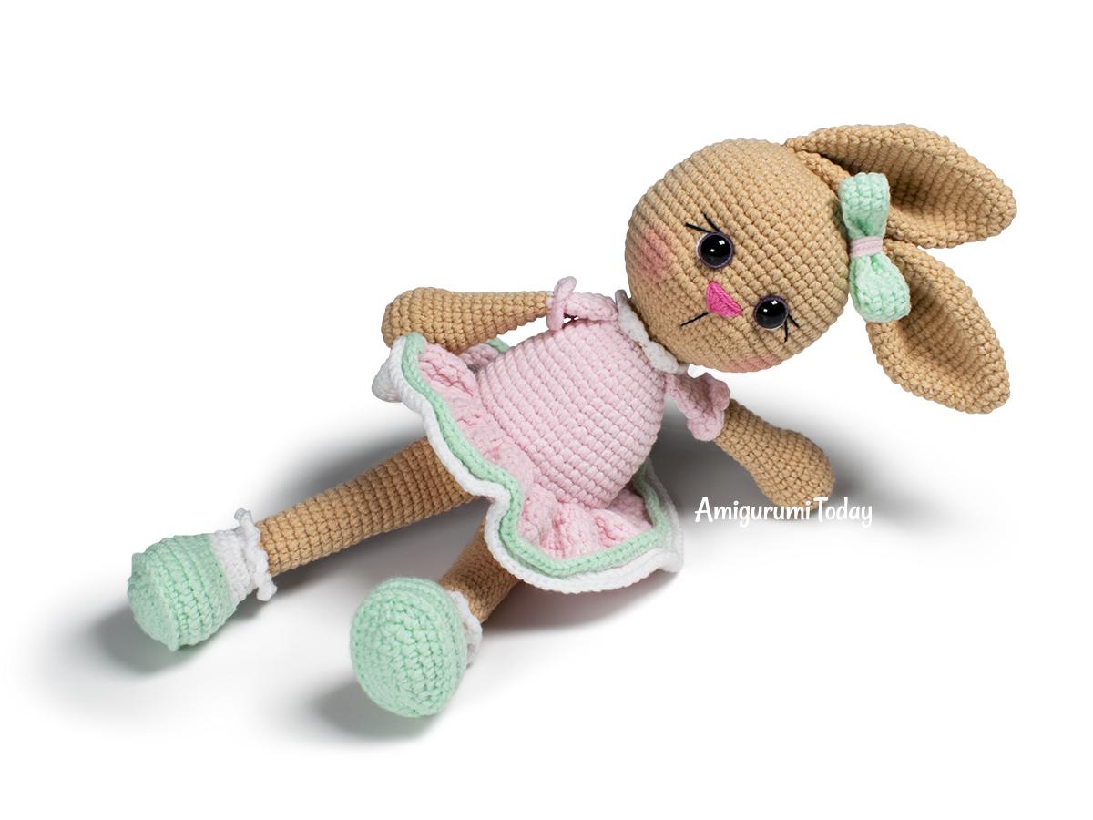 Cuddle Me Bunny amigurumi pattern - Amigurumi Today | 900x1200