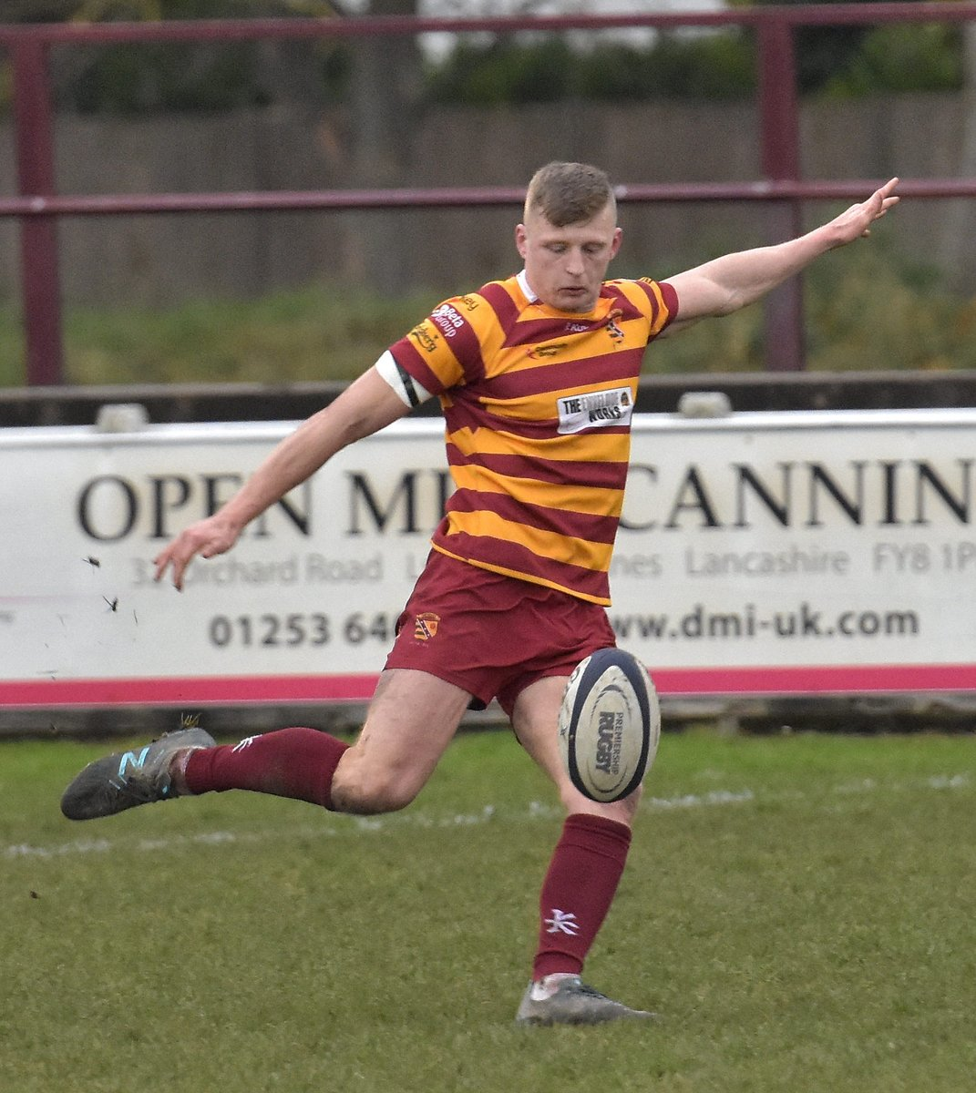 """Today's re-signed #Fylde player is winger @tomgrimes6. 69 appearances in 2½ seasons. 14 tries in 19-20, =7th ranked in #N2N. @spraggio """"Grimesy is a machine. He's hardly missed a game ... a great level of consistency with his performances. Details at https://t.co/zAMmvIFAWa https://t.co/Vz53g9k1zX"""