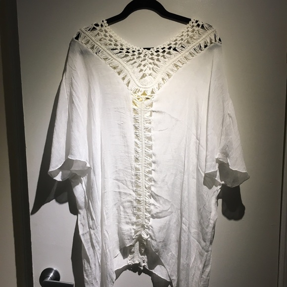 So good I had to share! Check out all the items I'm loving on @Poshmarkapp #poshmark #fashion #style #shopmycloset #islandlife #mightyfine #express: https://posh.mk/LVPzcgzUe3pic.twitter.com/X3dSemnhb2